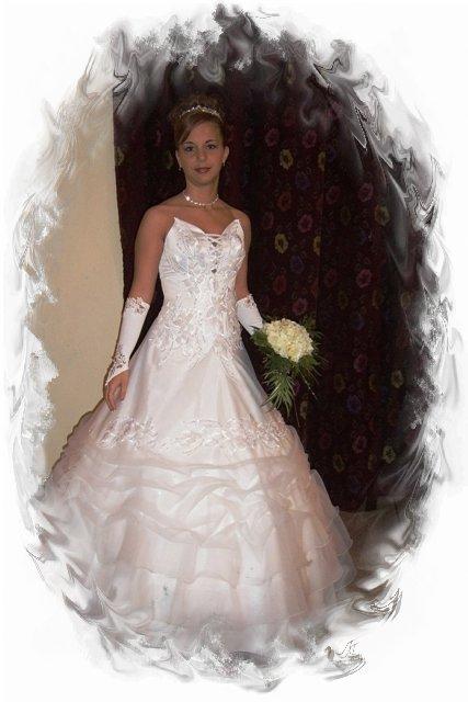 3f7943d9bb Evelin esküvői ruhaszalon | Esküvői : Koszorús : Alkalmi ...